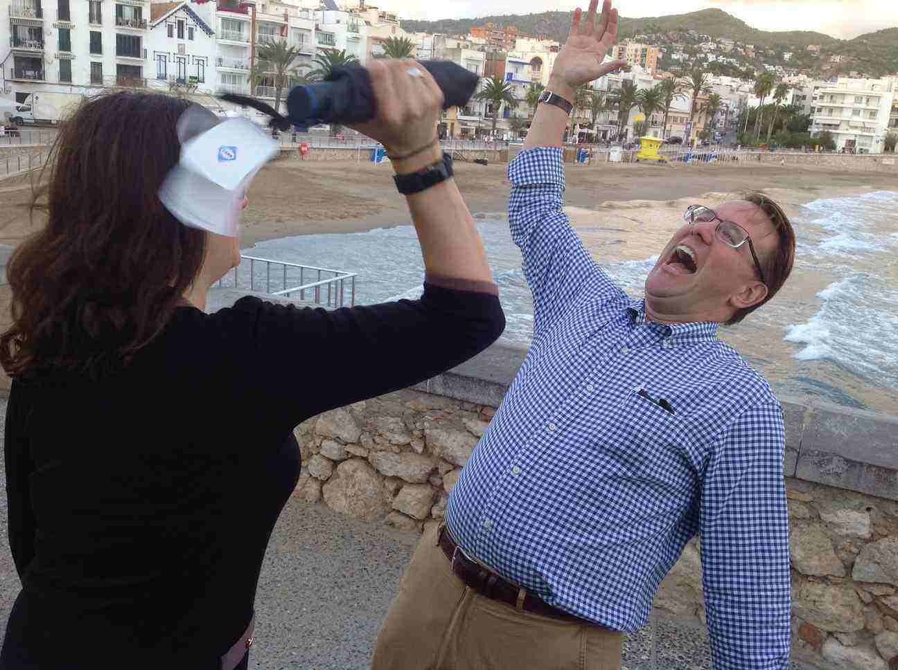 IPAD RACE IN SITGES: CITY HUNT TEAM BUILDING!