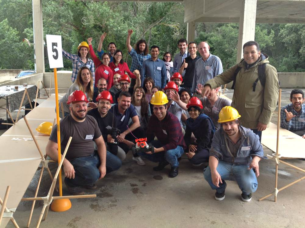 U CAN DO IT: A construction team building workshop to bring people together