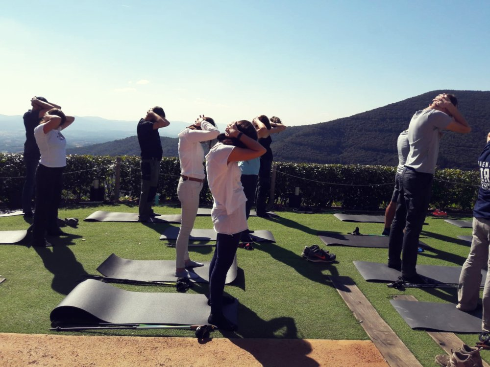 NORDIC WALK & RELAXATION: HEALTHY TEAM BUILDING COMBO