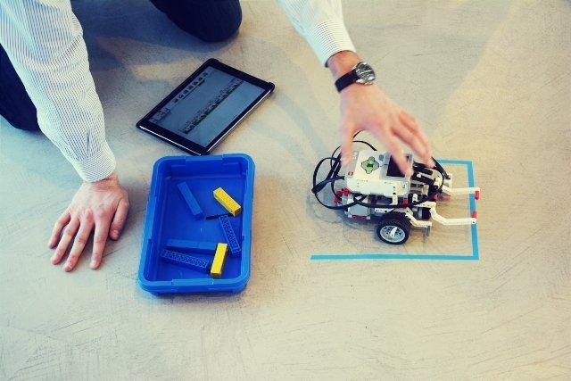Lego bridge team building