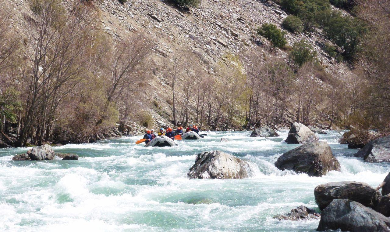 Outdoor Team building Rafting Pyrenees