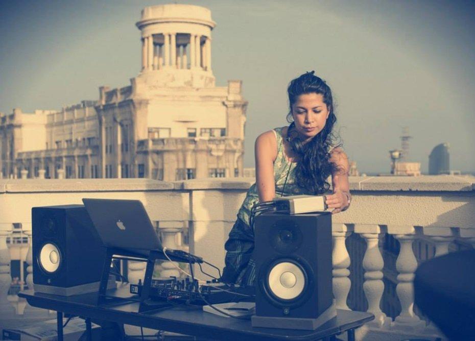 DJ jessica hologram live music entertainment