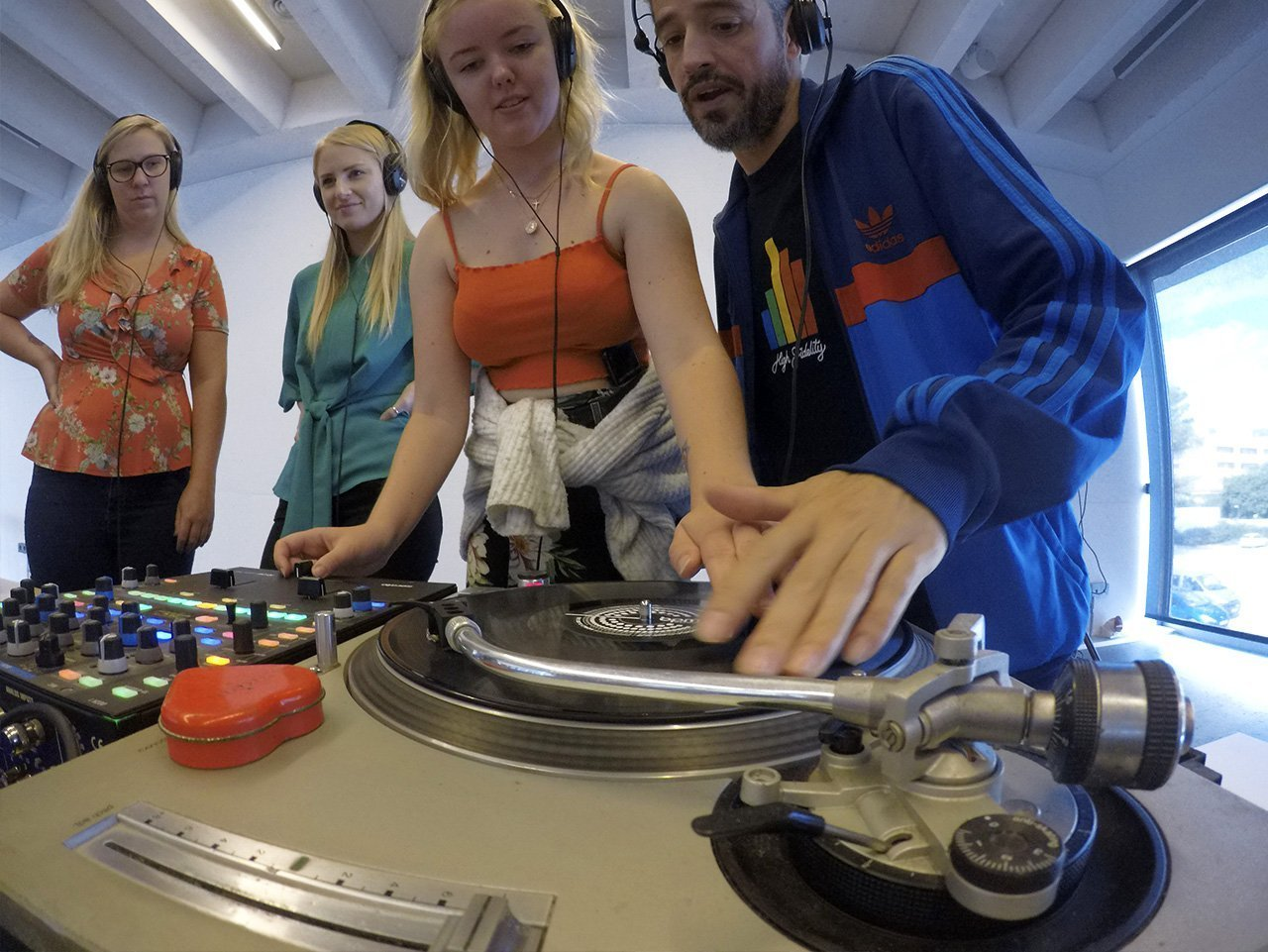 DJ workshop building activity