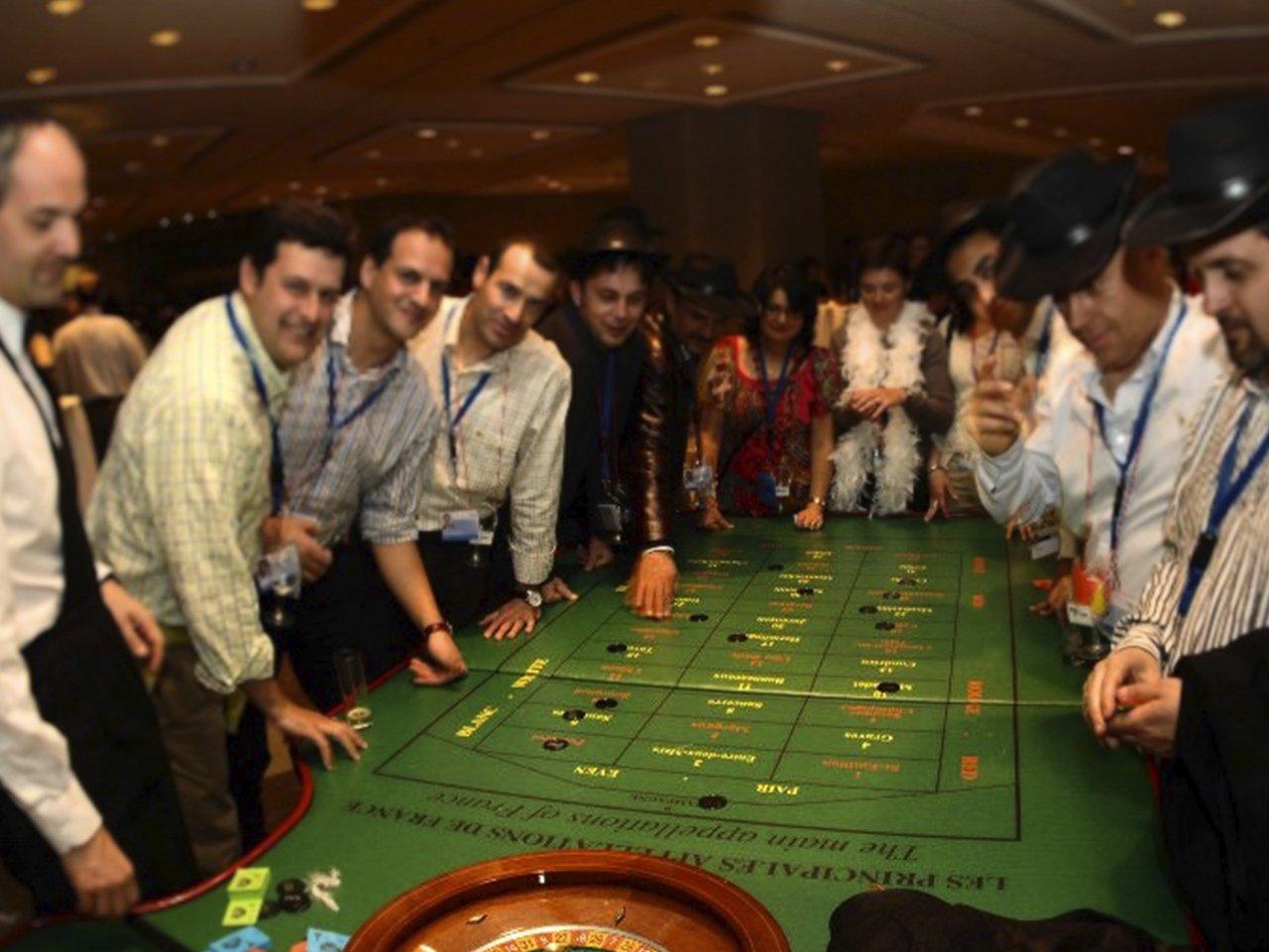 wine casino team building barcelona